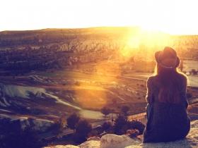 發現老公愛的是男人?妻女仍無悔照顧到生命末期,「因為愛,接納他的全部」