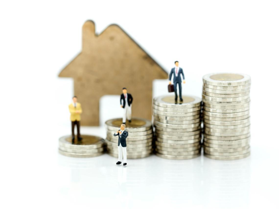為什麼全世界那麼多人靠房地產致富?地產建商點出關鍵:10元生意,8元是借來的
