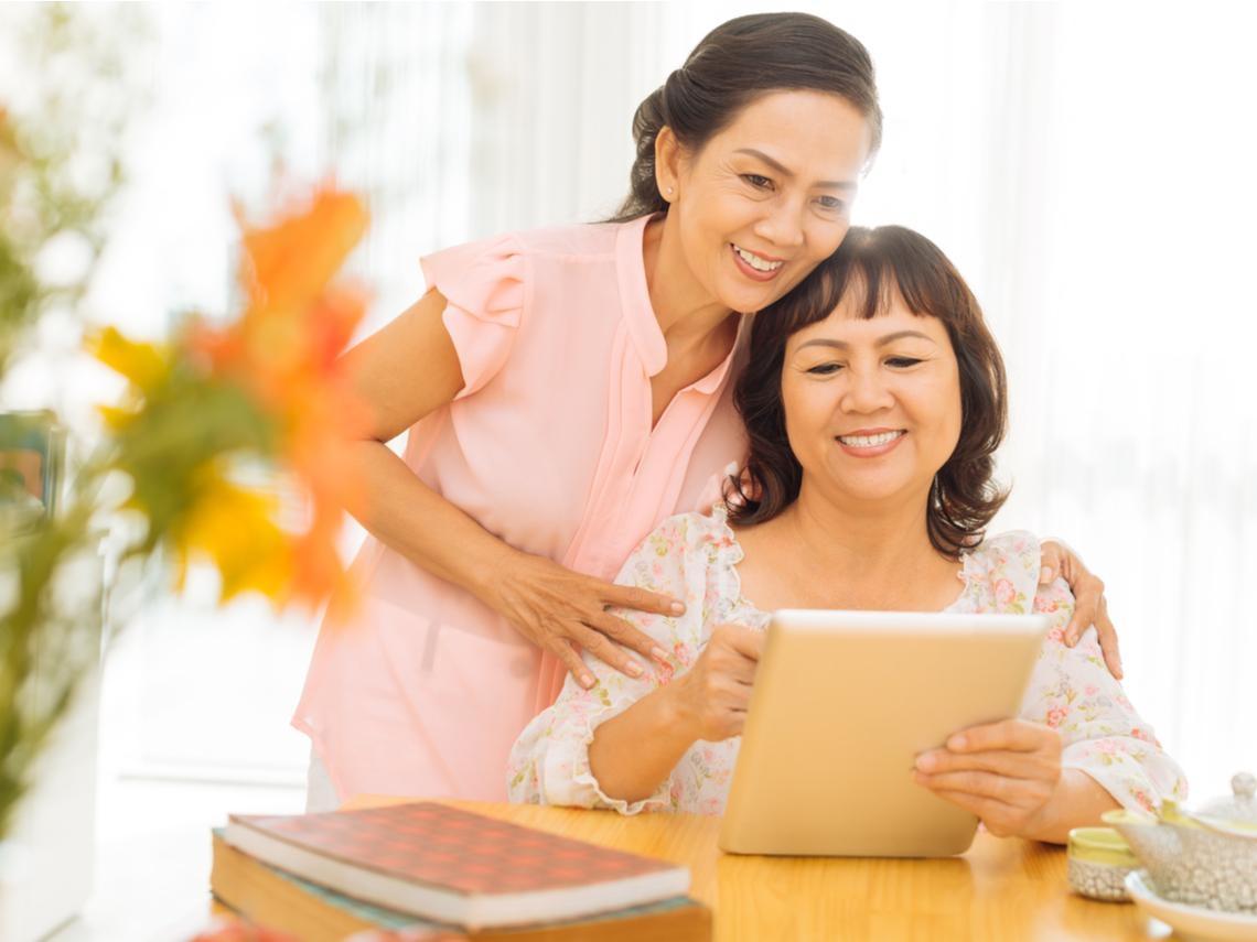 50歲後更要暢所欲言,多認識「這種」朋友吧!老公、老婆都不如「老伴」重要