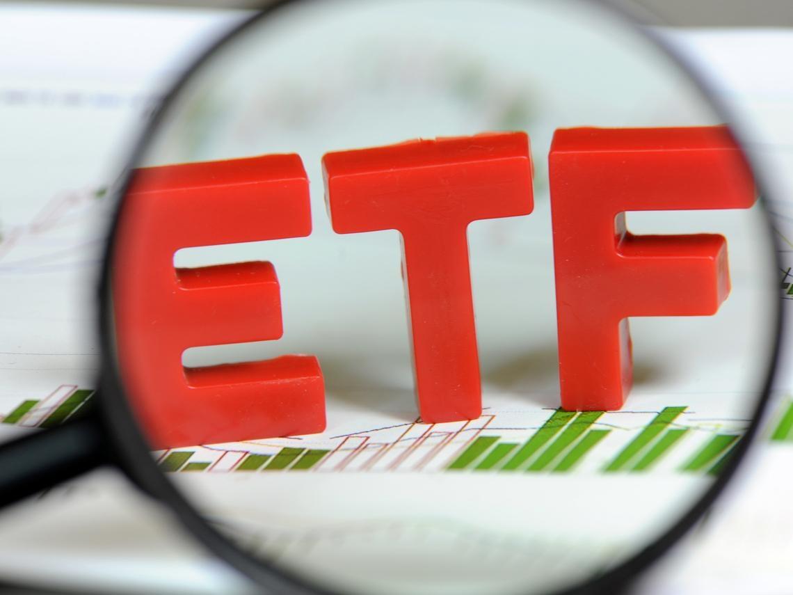 台灣人就愛這一味?除了元大S&P原油正2 ETF,這些能源基金一樣被買爆