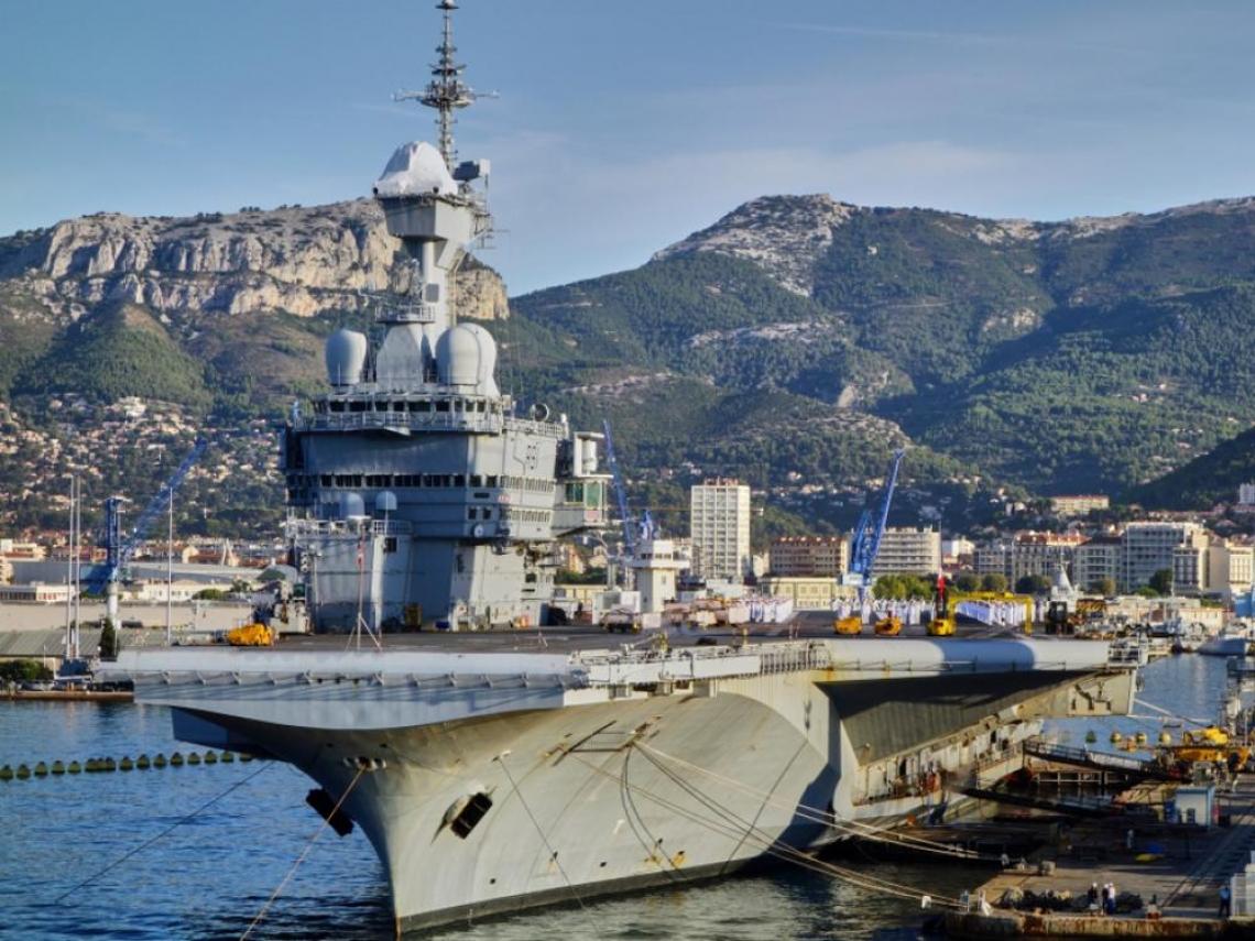 美國羅斯福號翻版!法國航母艦隊「戴高樂號」近千名官兵確診武肺 全艦緊急返航消毒