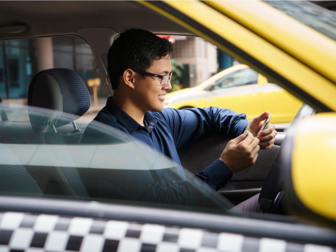 當年存金融股月領5萬股息,33歲提早退休的計程車司機還好嗎?財務自由4大風險:別陷入「錢不夠用」窘境