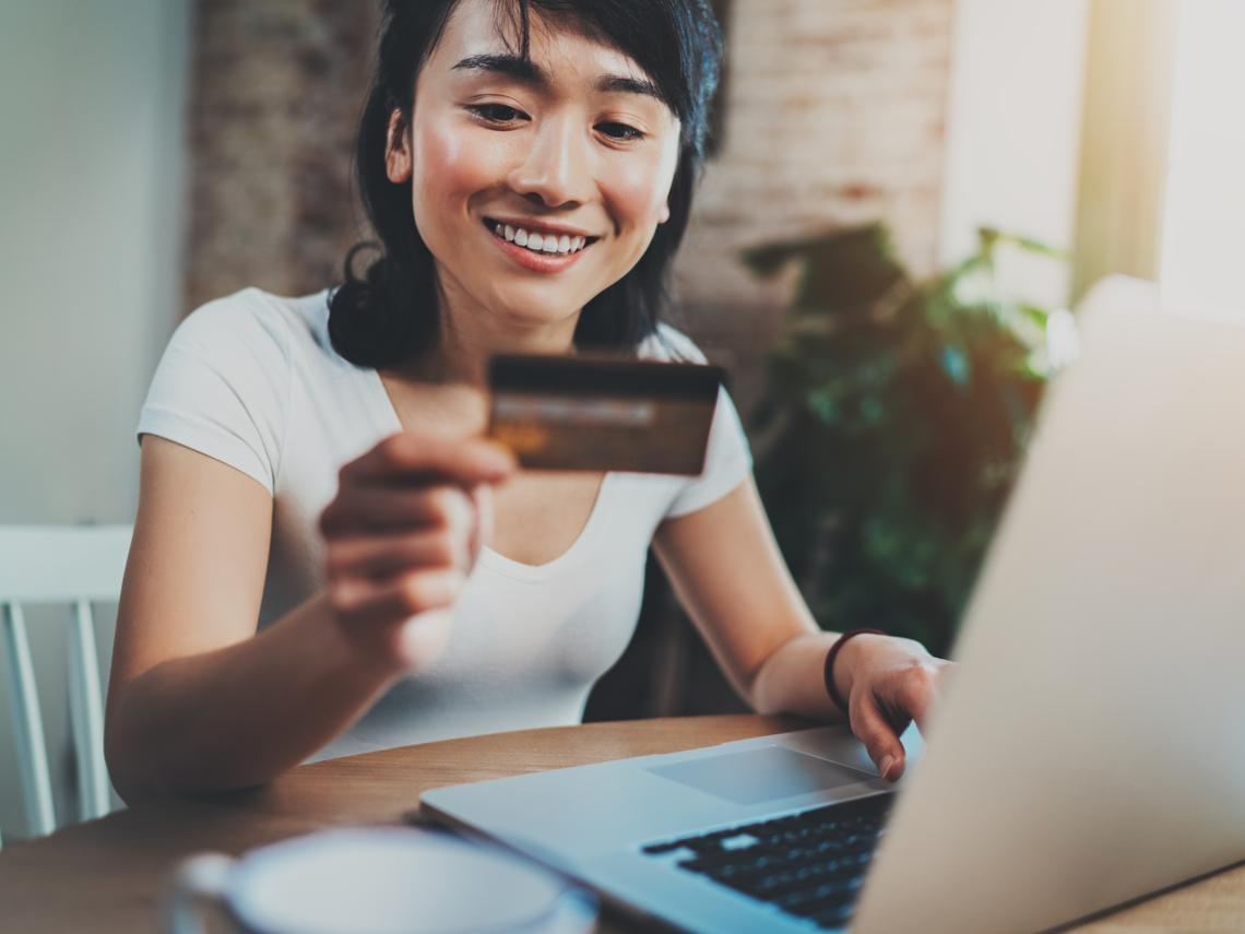 紅利、現金、哩程,信用卡回饋怎麼選最划算?擁477張信用卡神寶可孟:我最推薦這一種