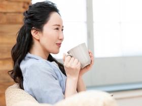 失眠、盜汗、燥熱...更年期症狀好難受?中醫師教妳5招改善,吃對8食物平衡荷爾蒙