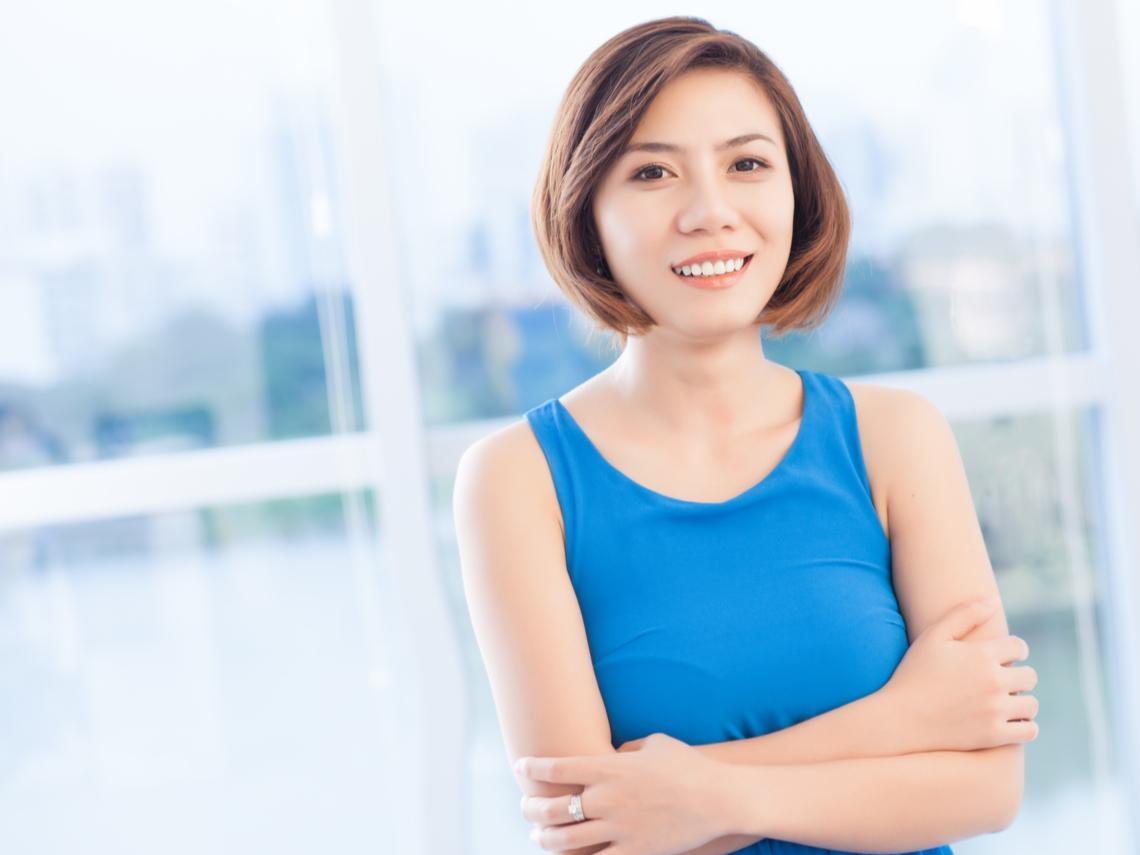 50歲後的優雅是簡單,但有說服力!一個穿衣好看的女人,遠比你看到的更加好看