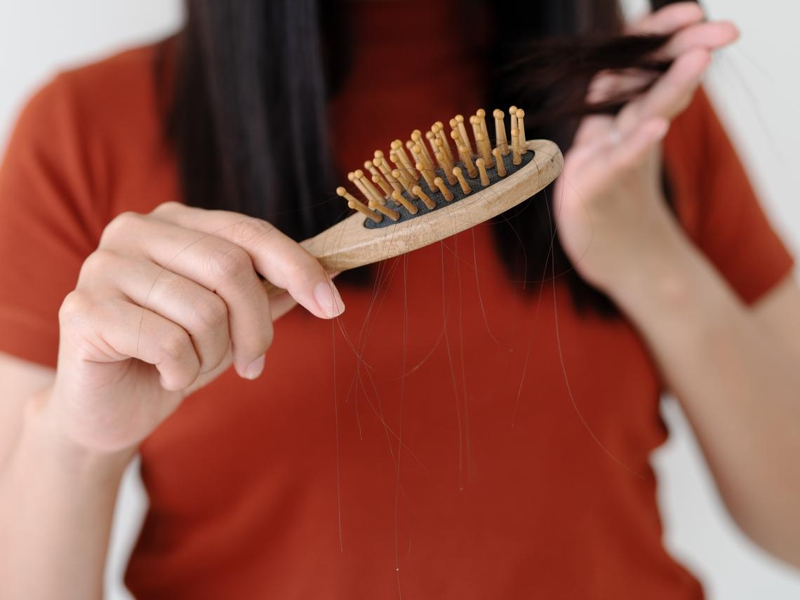一直掉頭髮、容易累,原來是貧血?醫師公布貧血14症狀、吃這些食物補營養