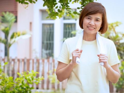 毛巾擰不乾、罐頭打不開?「肌少症」是老化現象,醫師2招減緩肌肉流失