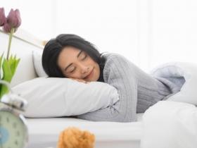 淺眠、難入睡怎麼辦?白雁:簡單2動作調和氣血、放鬆身心,有效改善失眠