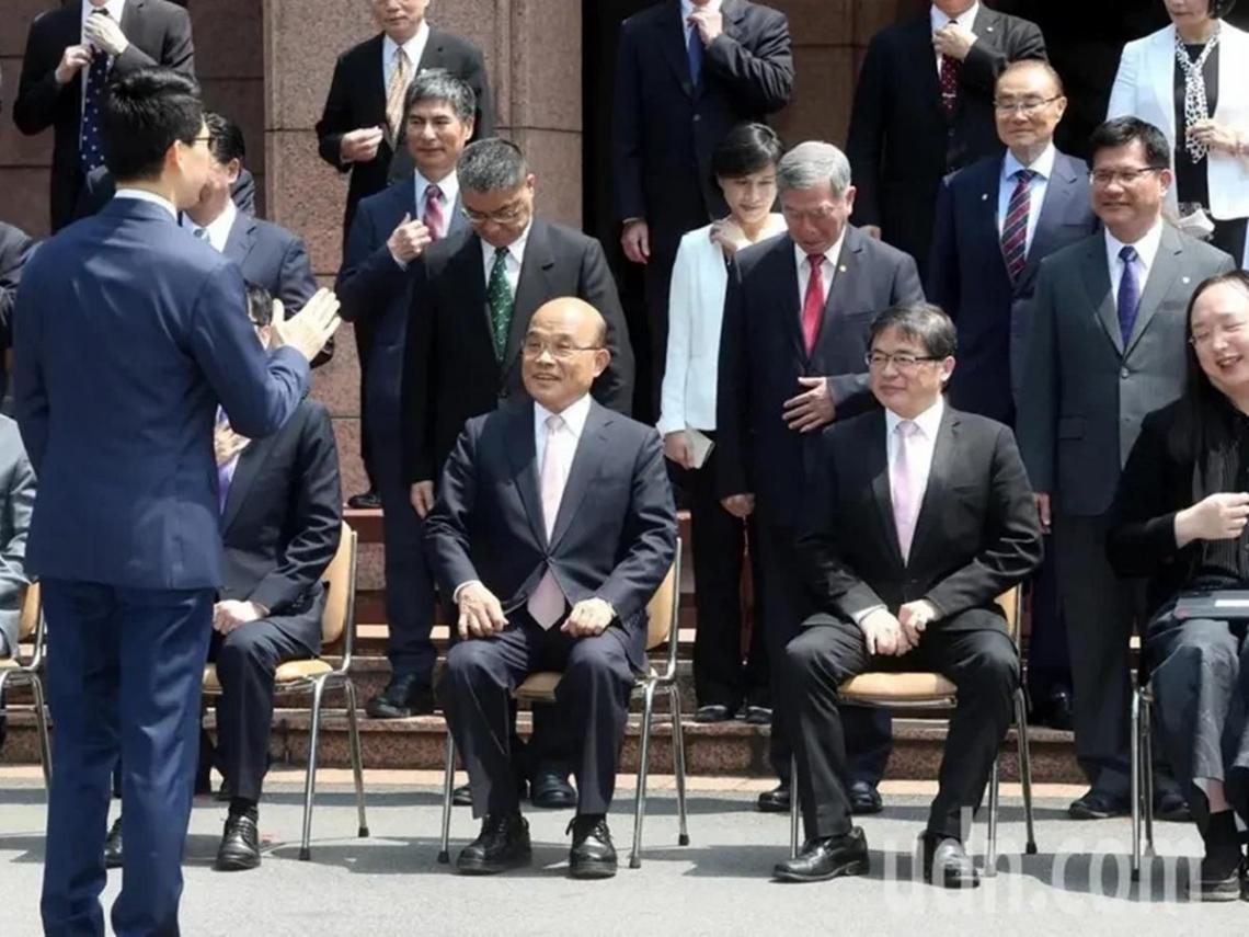 內政部長徐國勇留任 政院幕僚:蘇貞昌和他革命情感深厚