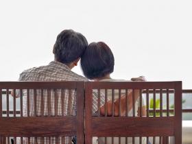 親愛的,你不用告訴我怎麼做!找回夫妻間熟悉的親密感,只需要好好聽對方說話