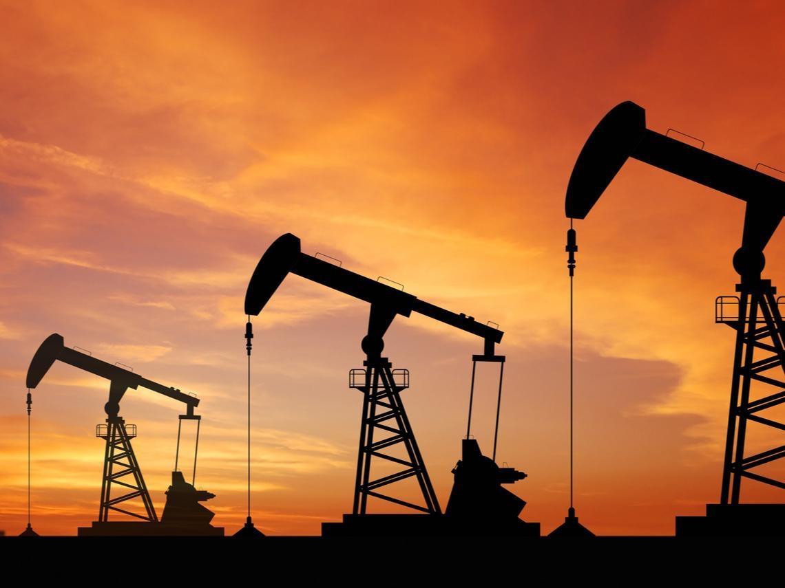 為何油價大跌後強彈19%、我的原油ETF卻沒漲?兩張表、兩數據告訴你答案