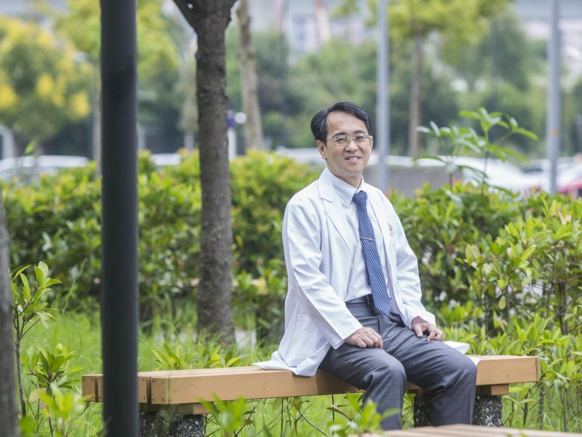 把病人當家人!顏宗海:當醫生不用太聰明,能夠耐心聆聽,就是好醫師