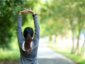 五十肩是關節老化警訊 白雁:痠痛是氣血瘀堵,1個動作活絡肩膀氣血循環