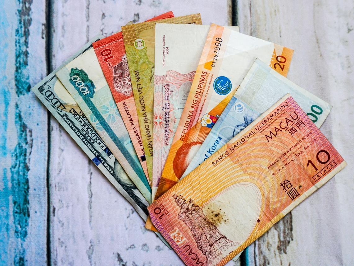 外幣定存1年利率4.5%,超好賺?銀行理專沒告訴你的事:你以為在存錢,其實像賭博