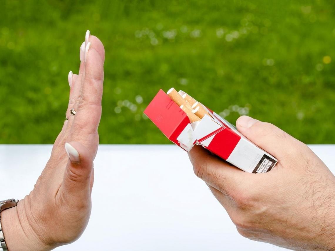 電子煙將禁賣、合法吸菸年齡升至20歲 菸害防制法修正草案出爐