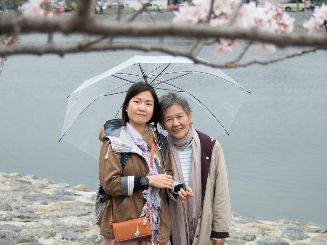 人生沒有很長,帶父母出國遠行,留下美好回憶! 未來想念彼此時,我們會微笑