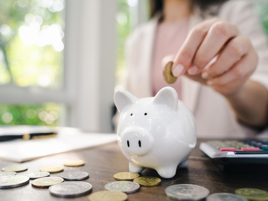 理財要輕鬆,退休後常盤點,但不用天天盯盤!切記股票不是戀愛,該分就快分