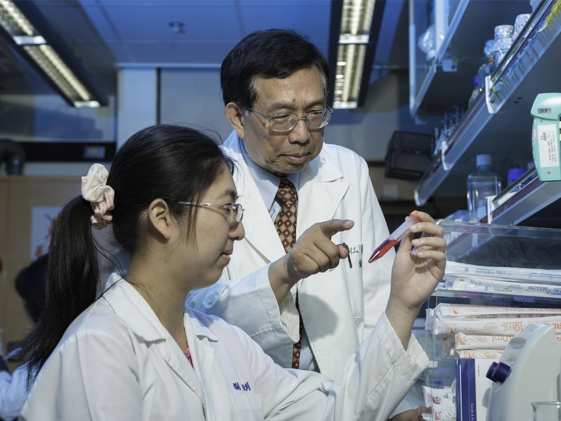 一滴血找出肝癌高危險群!蘇益仁用30年研發檢測晶片