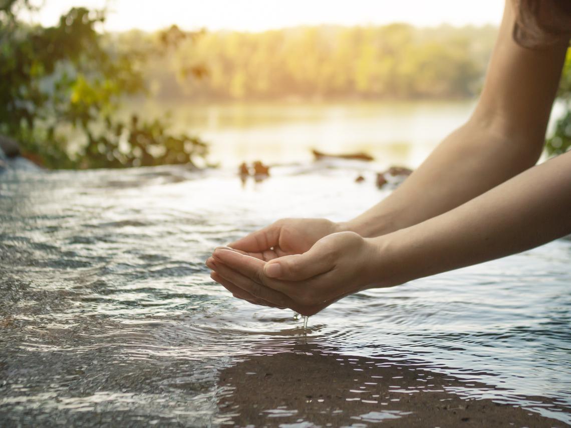 不只是「碳」,機構投資人更關注企業的「水」!