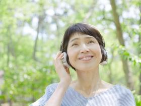 聽力受損未矯正,嚴重大腦會退化!醫師:錯失黃金期,還會喪失語言辨識力