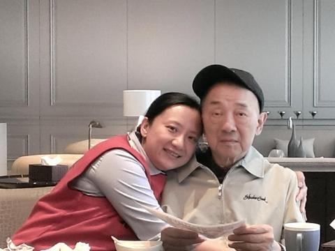 父親從金融強人變失智老人…元大馬維欣:希望爸爸再罵我一次也好,這些都回不去了
