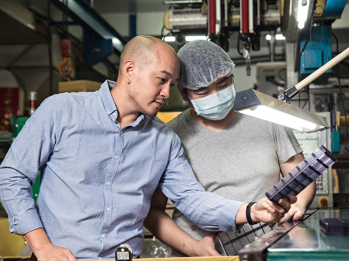 企業個案》台灣藥盒大廠益麟企業  代工轉型自有品牌  如何兼顧客戶與消費市場?