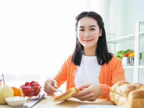 糖尿病控制不佳,容易感到疲勞?營養師:早餐選擇是關鍵,3原則改善生活品質