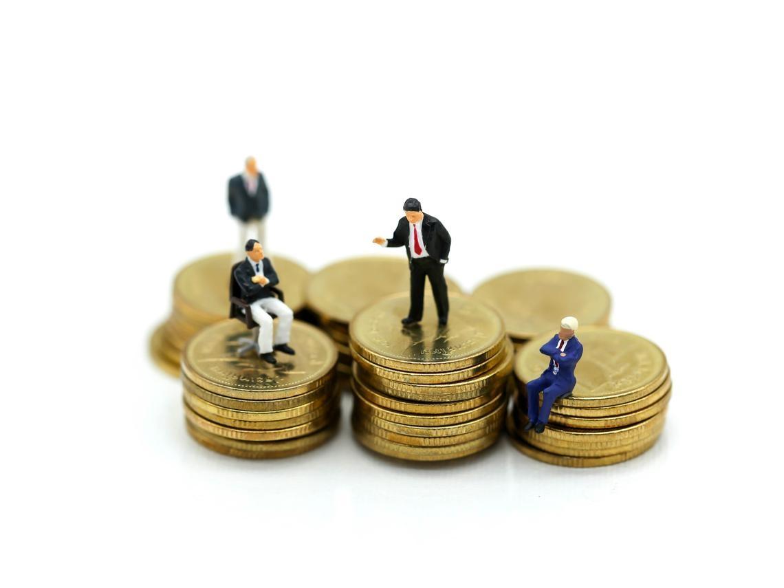 走到哪,身邊人都滿嘴投資?45歲退休上班族觀察「理財熱」現象:想財務自由,有5個錯不能犯