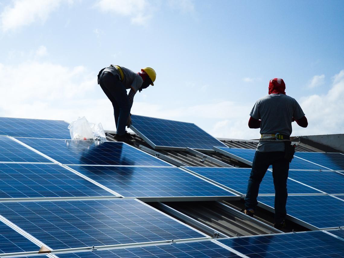太陽能、風力發電...能源轉型早就是趨勢,為什麼綠能推起來這麼難?關鍵還是在「這個問題」