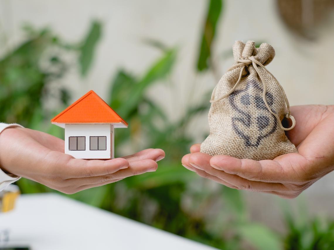 假設房貸利率2%、台灣50長期投報5%...我拿房子借款投股市「套利」適合嗎?專家:關鍵在這件事