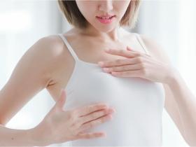 乳頭搔癢不是濕疹,而是乳癌?醫師:乳房出現4症狀,是癌症末期警訊
