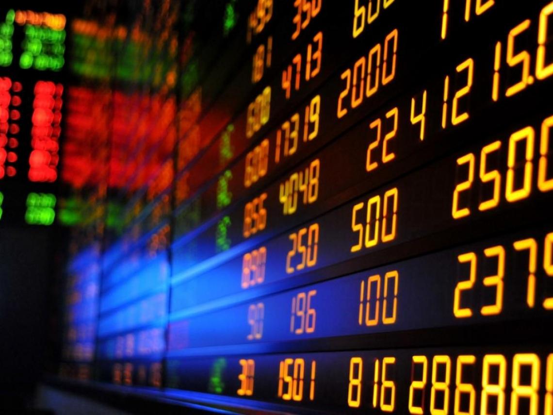 台股高檔出現大量長黑 空頭要來了?專家:觀察「這條線」就知道要不要賣股票