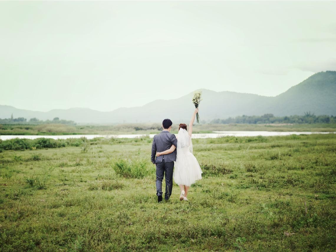 人生那麼長,偶爾看對方不順眼是難免的事...40歲後你該懂的事:婚姻要看「前方」,不要看對方