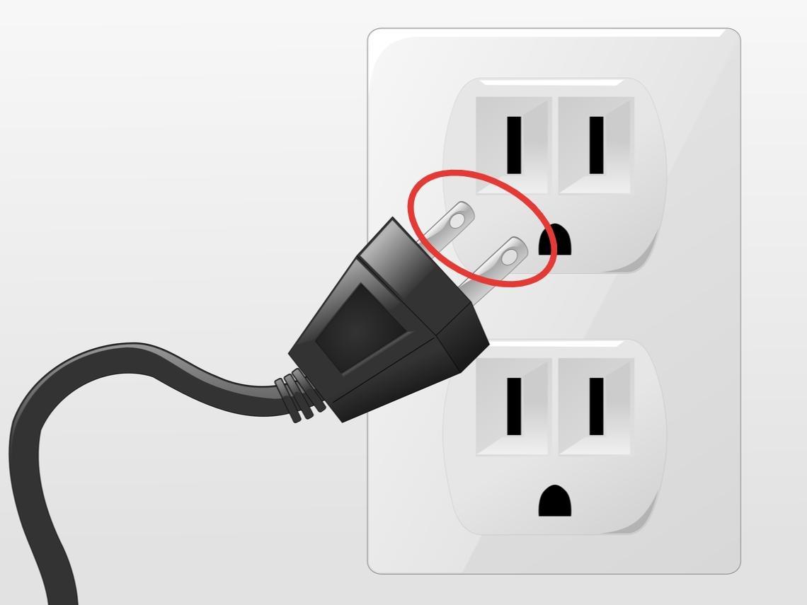 電線插頭中間「2個洞」到底是幹嘛的?日常生活13種「神秘的洞」用途大揭密