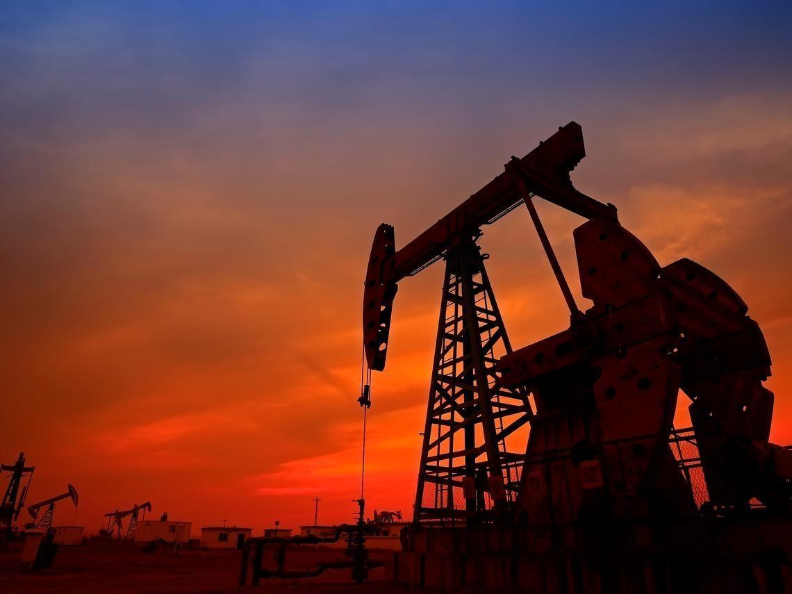 原油站上40美元,為何元大S&P原油正2 ETF市價卻越跌越低?這3個理由是關鍵