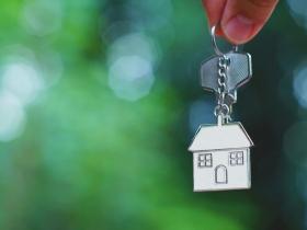 出錢幫兒子買房,離婚卻把房子留給媳婦,情何以堪?兒子,本就屬於老婆