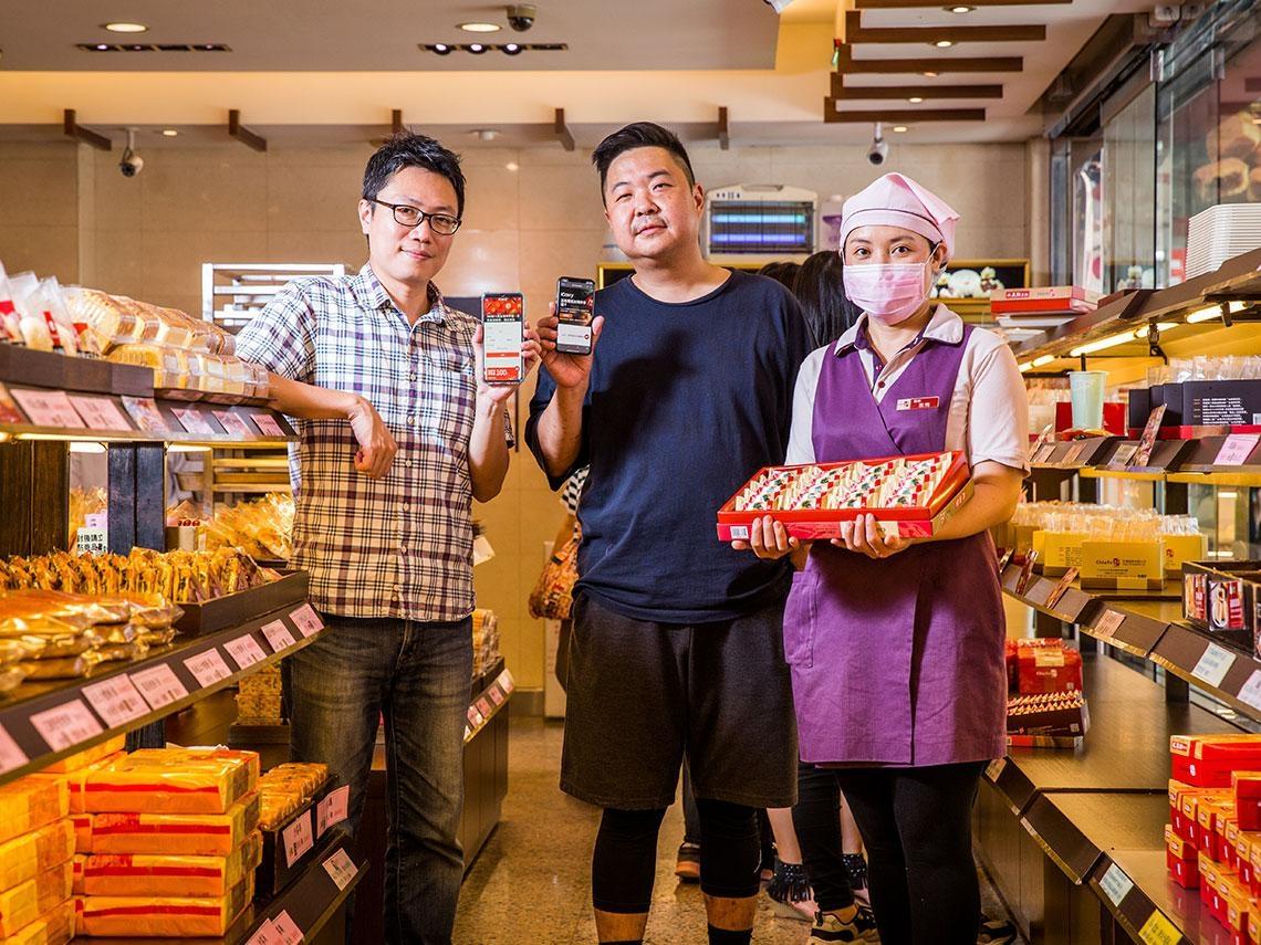 觀光客不來,台灣名產走出去!佳德鳳梨酥當天下單現做送出關,逆勢賣進13國