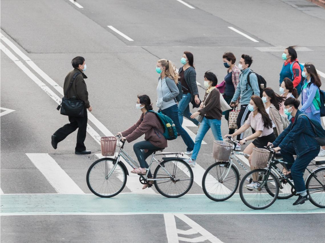 從「綠燈過馬路」看港台文化差異:香港人被馴化得很聽話,台灣人卻充滿危機意識