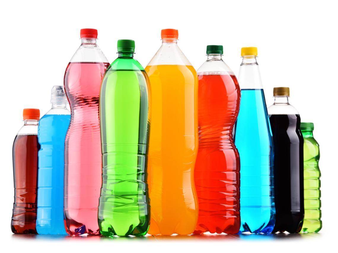 你敢喝嗎?5種「瓶裝飲料」放隔夜,細菌量比馬桶高400倍,根本就像在喝馬桶水!