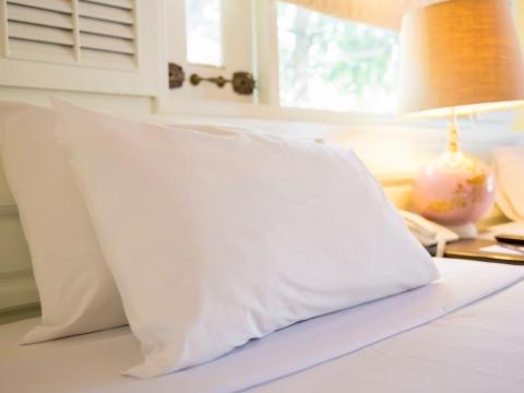 哪種形狀的枕頭最佳? 維持良好睡姿、寢具3寶挑選好,消除一天疲憊,隔天精神奕奕