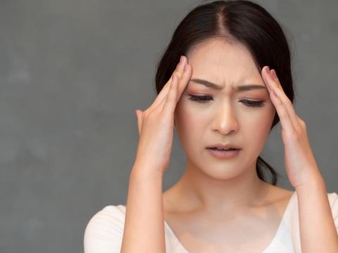肩頸痠痛,頭痛不止?頸椎症候群上身,中醫給5建議防惡化
