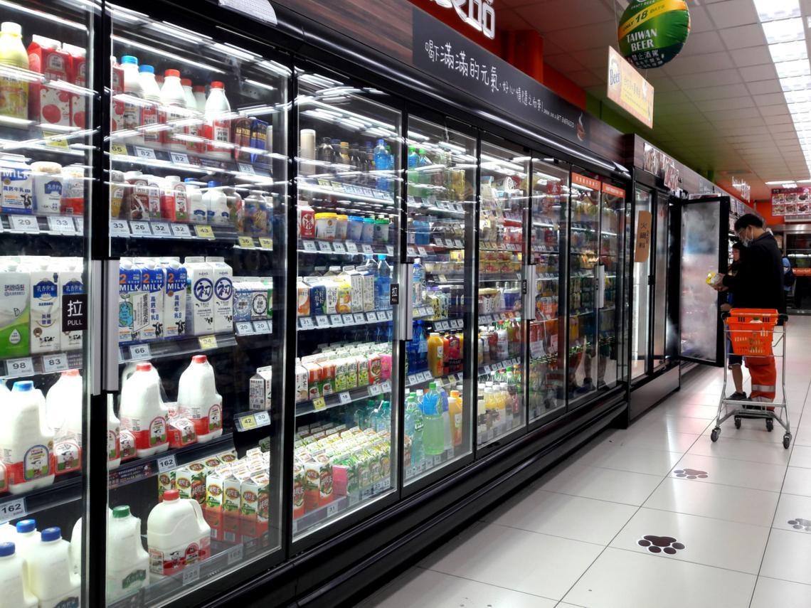 愛買、大潤發、家樂福...想在大賣店撿便宜?達人揭密量販店生態:這4種商品最容易特價出清