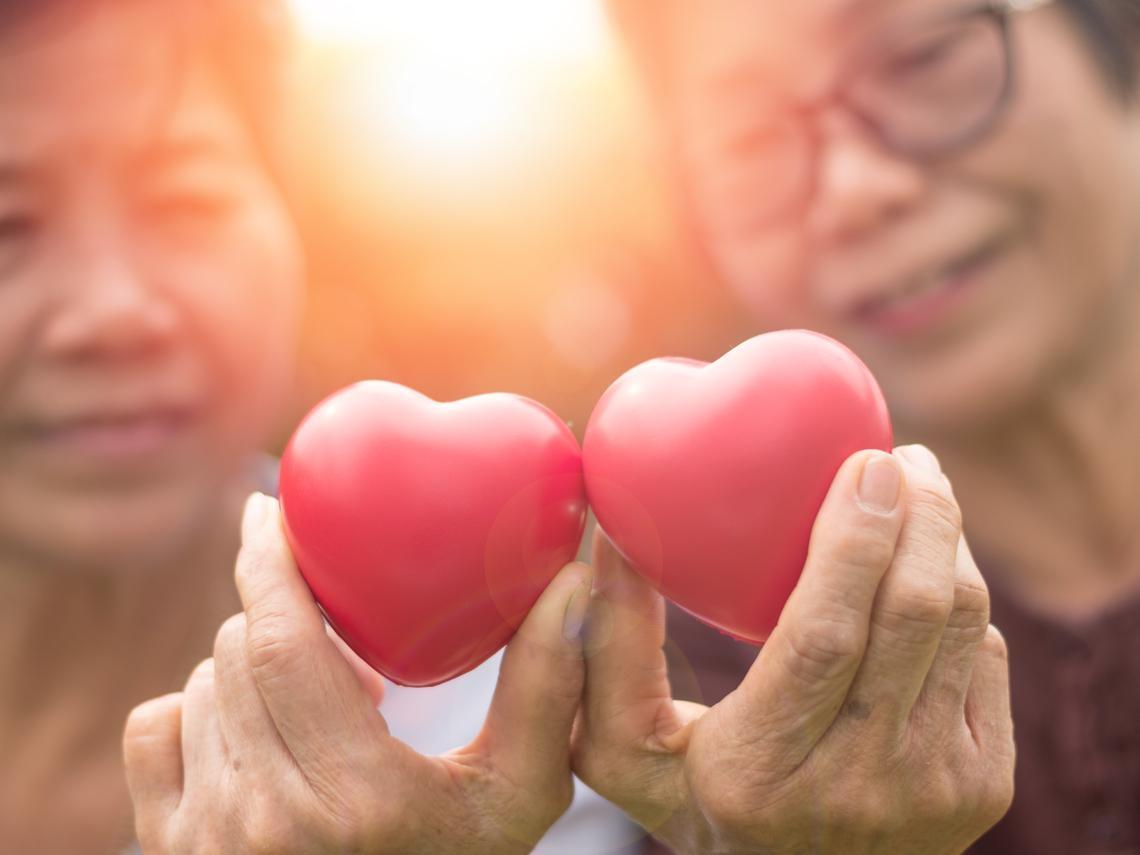 比賺錢更重要的事!退休後靠「分享」找自我價值,願意付出才能樂活發光