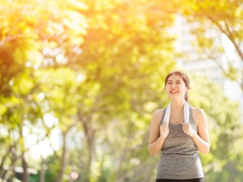 壓力、睡眠障礙,生活中誘發癲癇的5習慣!醫師:5口訣將發作的危險降至最低