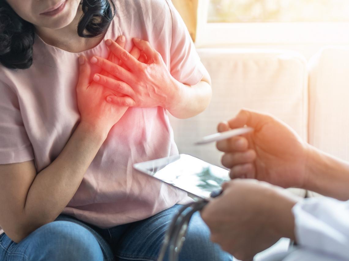 胸悶、胸痛,結果醫師說是「二尖瓣脫垂」,這嚴重嗎?有什麼要注意?家醫科名醫這樣說