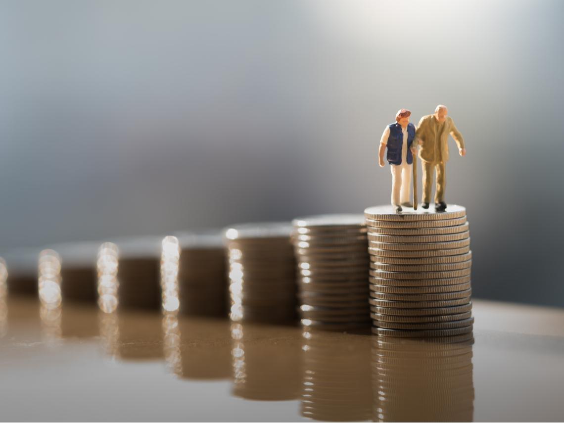 一個退休11年破產、一個退休30年錢變2倍...退休後「第一個十年」最重要,決定你是否晚景淒涼