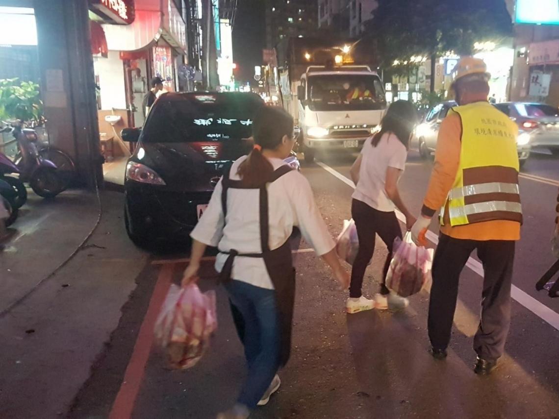 台北男違規丟垃圾被抓落跑遭輾亡 家屬告環保局稽查員「過失致死」
