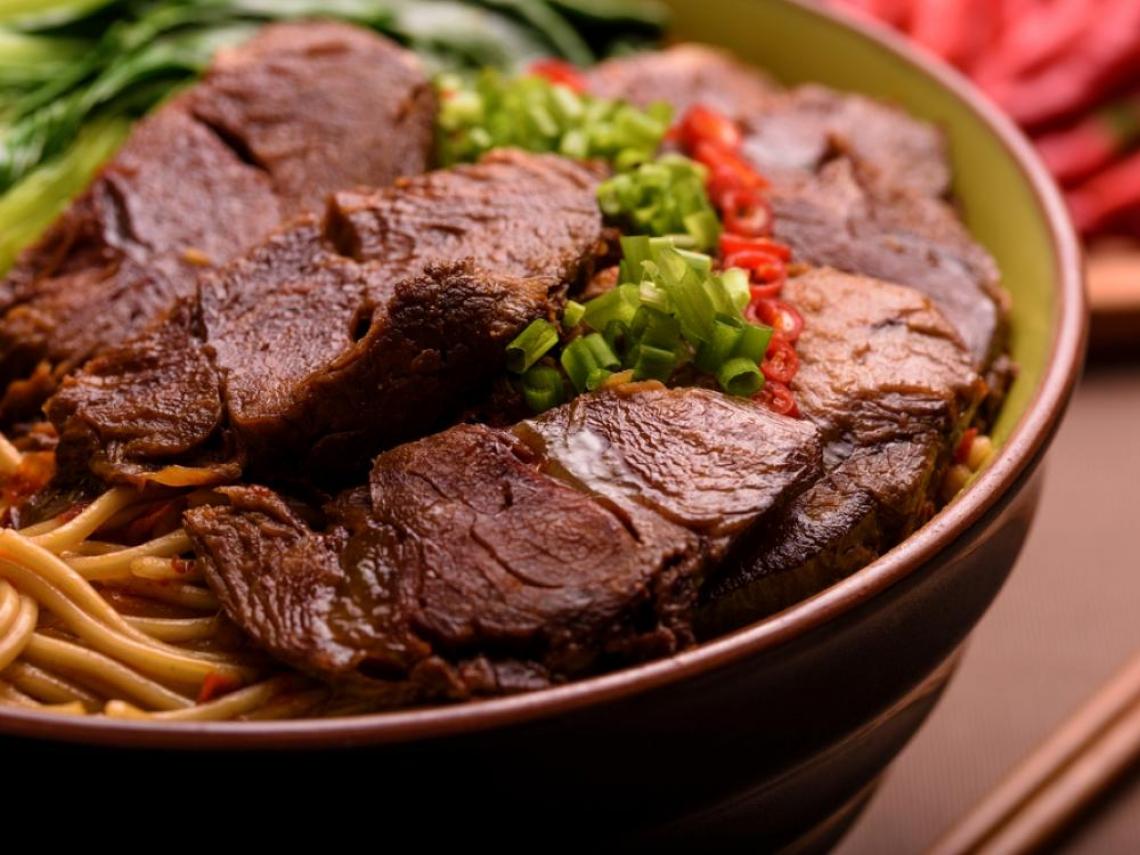 獲獎牛肉麵在你家附近?雙北最好吃是哪間?「2間店」狂被點名「湯頭超有層次」