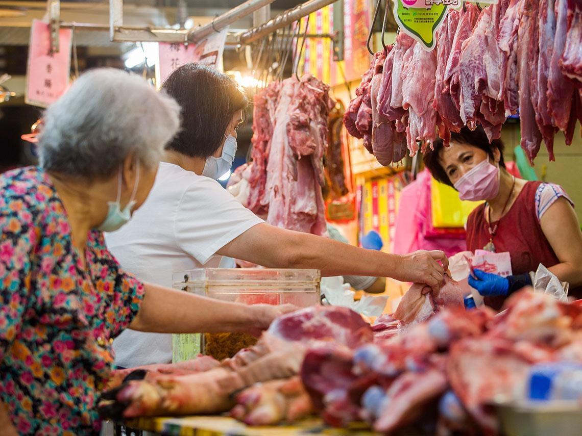 台灣,一直在進步!台豬解封、通姦除罪、黑洞之眼、新住民發光……