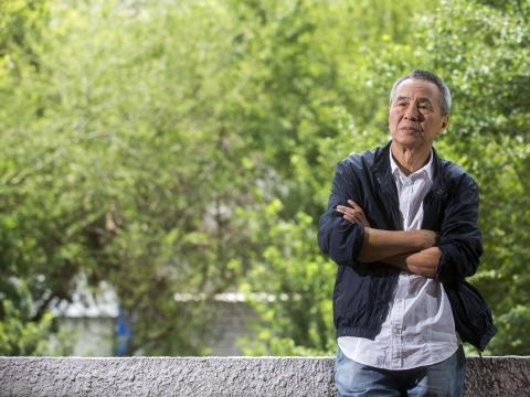 金馬終身成就獎》侯孝賢刻意「背對觀眾」、不為任何人創作,一個起手就驕傲台灣